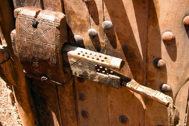 تاریخچه تولید قفل درب
